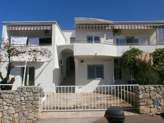 2 bedroom Apartment with Internet Access in Tisno - Tisno vacation rentals