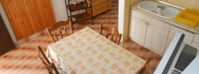 Cozy 3 bedroom Apartment in Tisno - Tisno vacation rentals