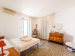 Bright 7 bedroom B&B in Montesilvano - Montesilvano vacation rentals