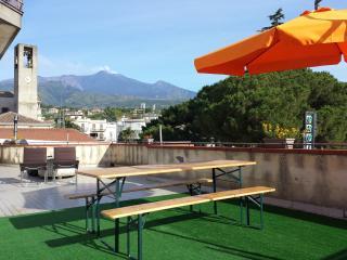 Bright 3 bedroom Santa Venerina Condo with Television - Santa Venerina vacation rentals