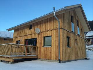 Nice Chalet with Deck and Internet Access - Hohentauern vacation rentals