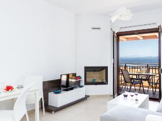 Cozy 2 bedroom House in Exopoli - Exopoli vacation rentals