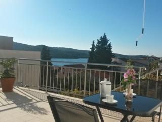 1 bedroom Apartment with Internet Access in Tisno - Tisno vacation rentals