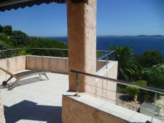 Nice Villa with Internet Access and Satellite Or Cable TV - Carqueiranne vacation rentals
