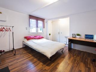 Charming Athens Studio / 5minMetro - Agios Dimitrios vacation rentals