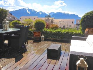 Swiss Bliss Apartment Alps views, terrace, garden - Montreux vacation rentals