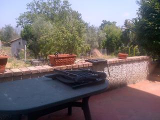 Porzione di bifamiliare a 30 km dal mare - Marano Marchesato vacation rentals