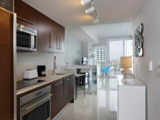 STUDIO AT W HOTEL RESIDENCES. CHIC STUDIO. LOCATION. VIEWS. FREE WIFI, SPA. - Brickell vacation rentals