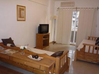 Estados Unidos & L.R.Saenz Peña II - Buenos Aires vacation rentals