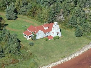 Hardy's Channel Lighthouse Retreat - Ellerslie vacation rentals