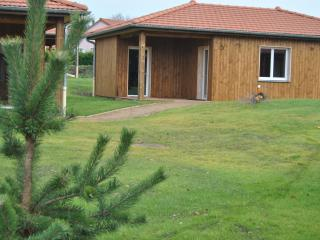 Cozy 2 bedroom Bungalow in Beaulieu - Beaulieu vacation rentals