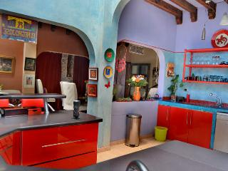 "10 people. Beautiful. Affordable. 10"" to Centro. - San Miguel de Allende vacation rentals"
