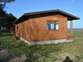 Comfortable 2 bedroom Chalet in Ardwell with Deck - Ardwell vacation rentals