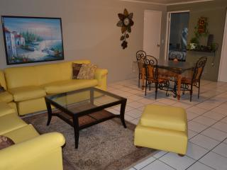 Nice 2 bedroom Condo in Oranjestad - Oranjestad vacation rentals