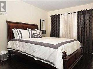 2 bedroom House with Internet Access in Brampton - Brampton vacation rentals