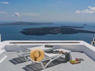 Ananda Junior Suite - Imerovigli vacation rentals