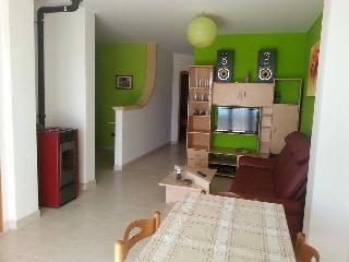 Nice Townhouse with Internet Access and A/C - Melissano vacation rentals