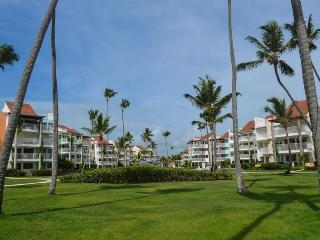 Playa Turquesa 1BR, 3BA Ocean view PH great breeze - Bavaro vacation rentals