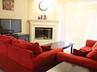 Awesome Unit in Addison1AD56652625 - Addison vacation rentals
