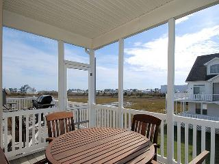 Charming Cottage with Deck and Dishwasher - South Beach vacation rentals