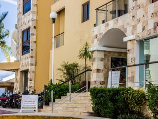 EL FARO 2 BEDR BEACH FRONT OCEAN VIEW CONDO - Playa del Carmen vacation rentals
