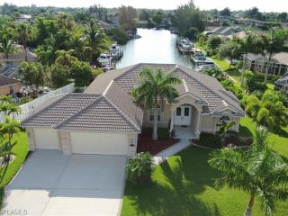 Executive, Upscale Gulf Access w/ heated pool/spa - Cape Coral vacation rentals