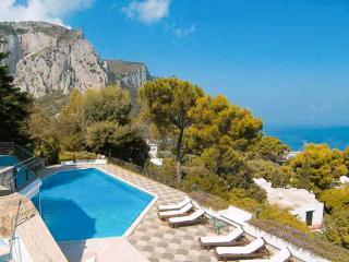 High on Castiglione hill, this villa offers breathtaking views of the Mediterranean, Mount Vesuvius and Capri. LDG GUI - Capri vacation rentals
