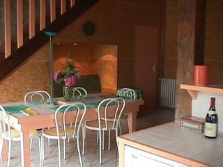 """Gîtes de la Croix Asnier """"gîte rose"""" - Chatel-Montagne vacation rentals"""