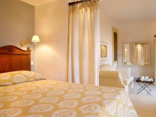 Le CONVIVIAL Luxury Suites & Spa - Xylokastro vacation rentals