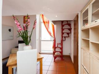Comfortable 1 bedroom Vacation Rental in Rome - Rome vacation rentals