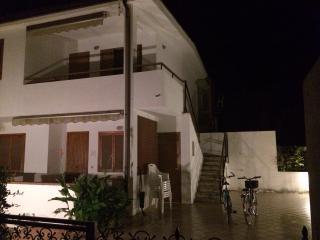 splendida villa al mare cropani - Cropani Marina vacation rentals