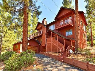 4BR Wooded South Lake Tahoe House,  Views, Sleeps 8 - South Lake Tahoe vacation rentals
