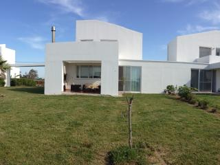 2 bedroom Villa with Internet Access in Killinis - Killinis vacation rentals