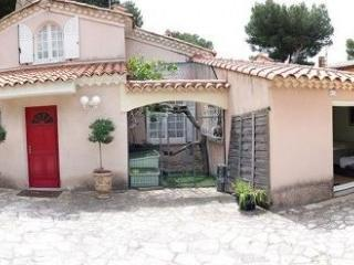 Cozy 2 bedroom B&B in Carry-le-Rouet with Internet Access - Carry-le-Rouet vacation rentals