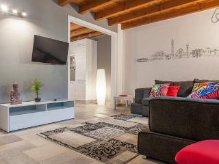LOVELY & COZY APARTMENT - Verona vacation rentals