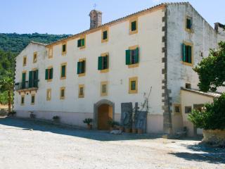 XIII Century Finca With Tonnes Of History - Randa vacation rentals