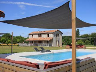 Bright 4 bedroom Vacation Rental in Saint-Etienne-de-Villereal - Saint-Etienne-de-Villereal vacation rentals