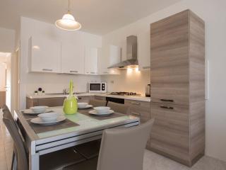 2 Bedroom Apartment in a Prime Location of Sliema - Sliema vacation rentals