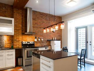 Beautiful 2bdrm close to everything! - Montreal vacation rentals