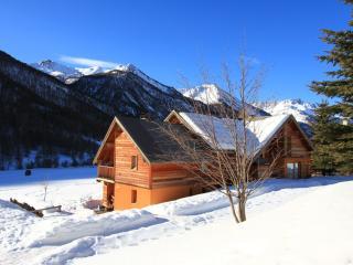 L'Aoùro  Hameau des Chazals Nevache Hautes Alpes - Nevache vacation rentals