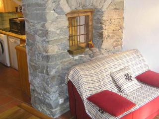 2 bedroom Cottage with Internet Access in Nevache - Nevache vacation rentals
