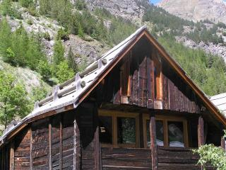Bright Cottage in Nevache with Television, sleeps 8 - Nevache vacation rentals