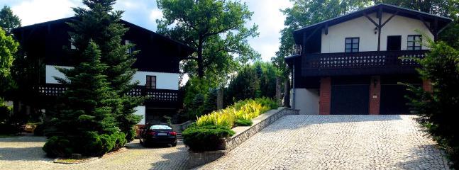 Bright 4 bedroom Jelenia Gora Villa with Internet Access - Jelenia Gora vacation rentals
