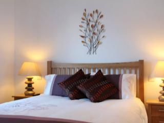 Perfect Condo with Television and DVD Player - Loch Tay vacation rentals