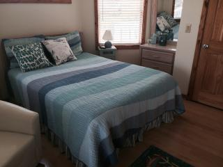 THE SAND DOLLAR - Wave Bedroom - Corolla vacation rentals