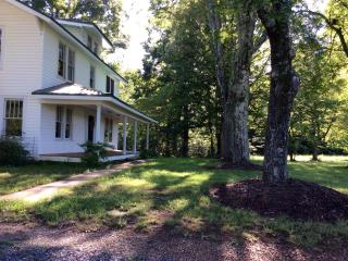 Beautiful 4 bedroom Farmhouse Barn in Westfield - Westfield vacation rentals