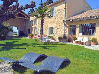 Sérignan north Vaucluse, High level standing country house 12p private pool - Serignan-du-Comtat vacation rentals