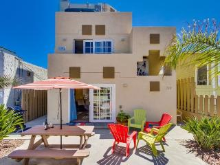 Sadie's Mission Beach Mediterranean Casa- Between the Ocean & the Bay, View from the Patio, BBQ, Bikes, WiFi - Mission Beach vacation rentals