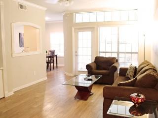 Amazing Apartment in Oak Cliff1UT3530127 - Dallas vacation rentals