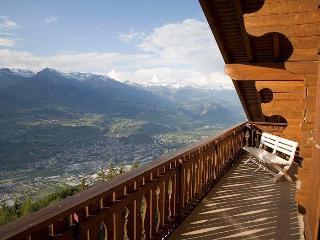 3 bedroom ski chalet penthouse apartment - Veysonnaz vacation rentals